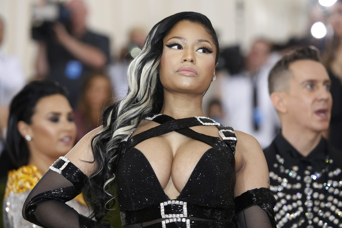 "Rapper Nicki Minaj arrives at the Metropolitan Museum of Art Costume Institute Gala (Met Gala) to celebrate the opening of ""Manus x Machina: Fashion in an Age of Technology"" in the Manhattan borough of New York, May 2, 2016. REUTERS/Eduardo Munoz"
