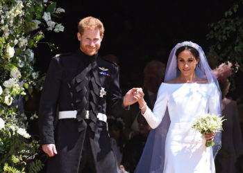 Windsor (United Kingdom), 19/05/2018.- Britain's Prince Harry (L), Duke of Sussex and Meghan (R), Duchess of Sussex exit St George's Chapel in Windsor Castle after their royal wedding ceremony, in Windsor, Britain, 19 May 2018. The couple have been bestowed the royal titles of Duke and Duchess of Sussex on them by the British monarch. (Duque Duquesa Cambridge) EFE/EPA/NEIL HALL / POOL