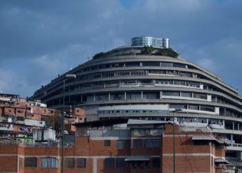A view of the Venezuela's intelligence police headquarters, known as the Helicoide, in Caracas, Venezuela, Thursday, May 17, 2018. Several top opponents of President Nicolas Maduro are being held in the building along with American citizen Joshua Holt, who has been imprisoned for two years without a trial. (AP Photo/Fernando Llano)