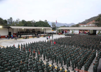 Venezuela's President Nicolas Maduro attends a meeting with soldiers at a military base in Caracas, Venezuela January 30, 2019. Miraflores Palace/Handout via REUTERS ATTENTION EDITORS - THIS PICTURE WAS PROVIDED BY A THIRD PARTY.