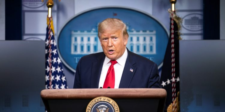 Washington (United States), 14/08/2020.- US President Donald J. Trump holds a press briefing at the White House in Washington, DC, USA, on 14 August 2020. (Estados Unidos) EFE/EPA/KEVIN DIETSCH / POOL