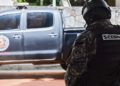 """Members of the Bolivarian National Intelligence Service (SEBIN) stand guard in front of the house of the mayor of Caracas, Antonio Ledezma -who had been arrested and jailed in February 2015 after being accused of plotting to overthrow the president- in Caracas on November 17, 2017. Ledezma, who was under house arrest following surgery, managed to escape and """"entered Colombian territory by land, over the Simon Bolivar international bridge"""" Colombia's migration department said. / AFP PHOTO / FEDERICO PARRA"""