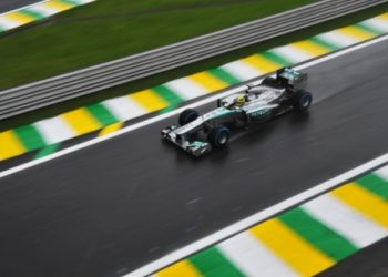 German Formula One driver Nico Rosberg power his Mercedez during the second free practices at the Interlagos racetrack in Sao Paulo, Brazil on November 22, 2013, ahead of the Brazilian GP on Sunday. AFP PHOTO / Nelson ALMEIDA